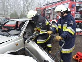 Fiat seicento zderzył się czołowo z polonezem