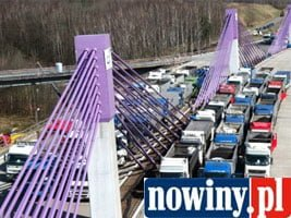 60 ciężarówek – wykonano testy obciążeniowe mostu na autostradzie A1