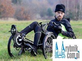Zamienił wózek inwalidzki na rower