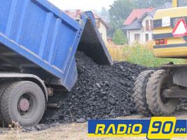 """Czy powstaną kolejne zapadliska? Urząd Górniczy zaleca badanie terenu, Kompania Węglowa mówi """"nie"""""""
