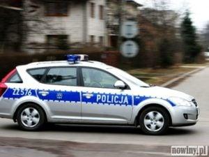 Kierowca golfa potrącił policjanta i odjechał w stronę Świerklan
