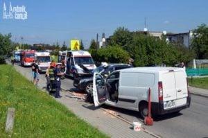 Groźna kolizja z udziałem 4 pojazdów. Policjanci zabrali prawo jazdy 73-latkowi