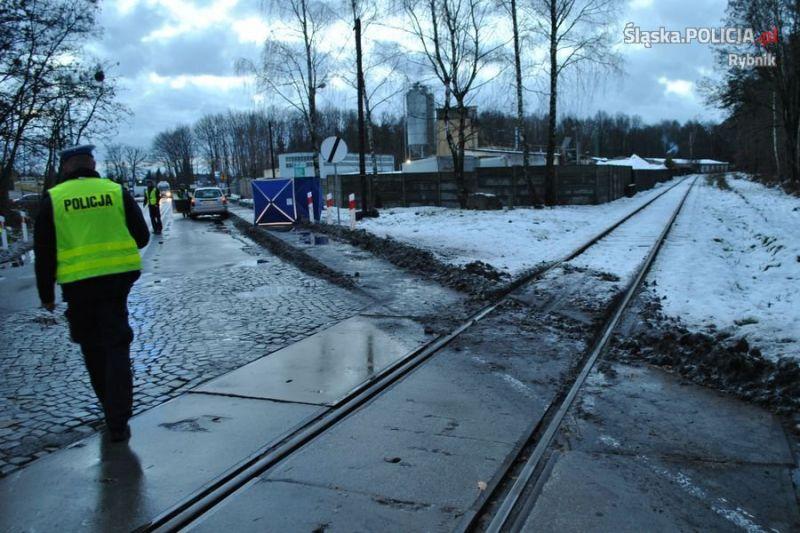 smiertelne-potracenie-na-przejezdzie-kolejowym2